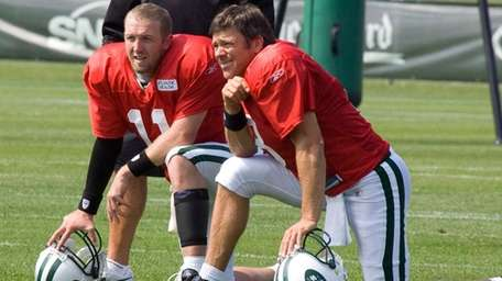 Jets quarterback Kellen Clemens, left, ceded his No.