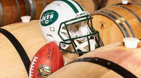 The vintage 2016 Jets Uncorked Champion Reserve red