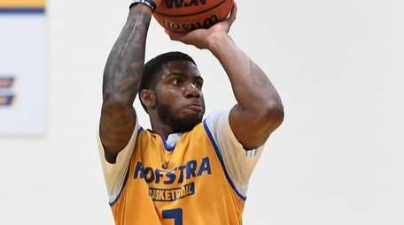 Hofstra guard Justin Wright-Foreman averaged  24.4 points,