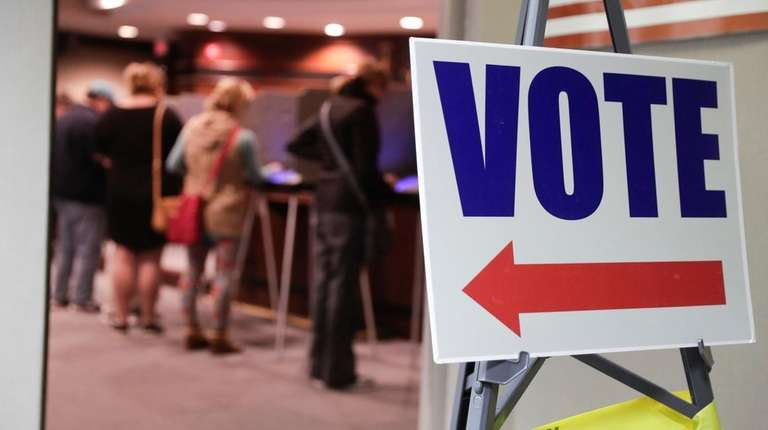 Voters cast their ballots early for the midterm
