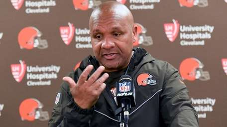 Browns coach Hue Jackson meets with reporters after