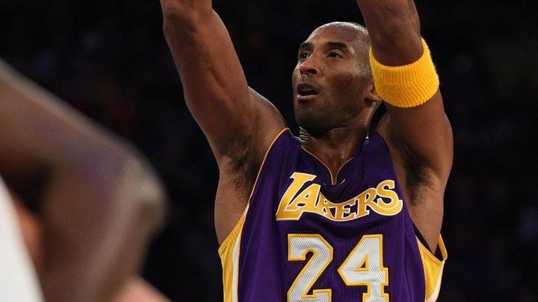 Lakers forward Kobe Bryant shoots a free throw