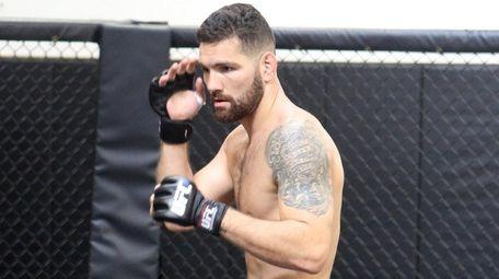 UFC middleweight Chris Weidman, from Baldwin, prepares for