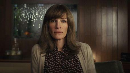 """Julia Roberts as Heidi Bergman in """"Homecoming."""""""