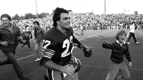 1984: DOUG FLUTIE Quaterback, Boston College His 3,454