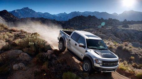 Ford F-150 SVT Raptor again is raising the