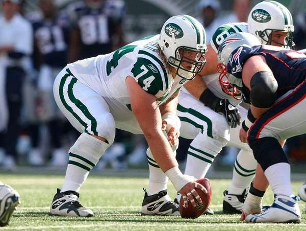 Jets center Nick Mangold continues to build on