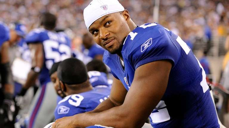 Now healthy, Osi Umenyiora could prove to be