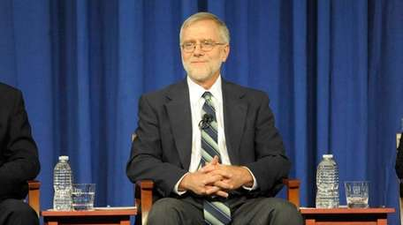 Howie Hawkins speaks during a gubernatorial debate at