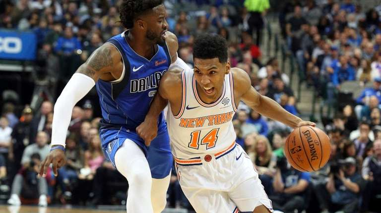 allonzo trier scores 23 off bench as knicks beat mavericks newsday