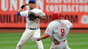 FILE - New York Mets' Luis Hernandez (3)