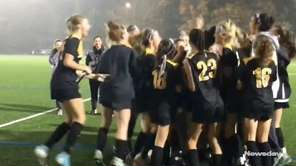 No. 1 St. Anthony's defeated No. 2 Sacred