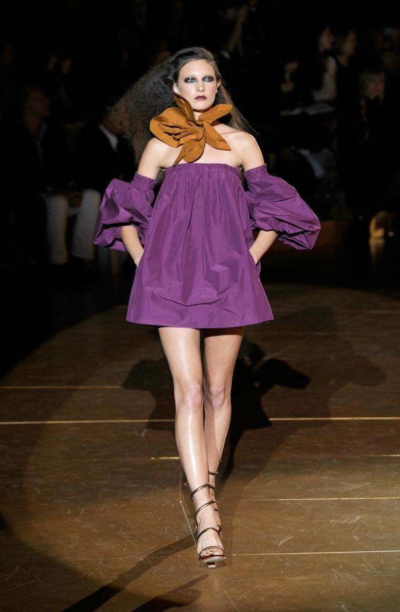 The '70s-retro vibe was amplified by frizzed-out hair,