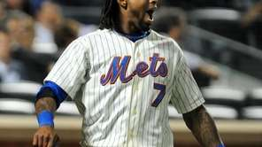 New York Mets' Jose Reyes (7) congratulates Angel