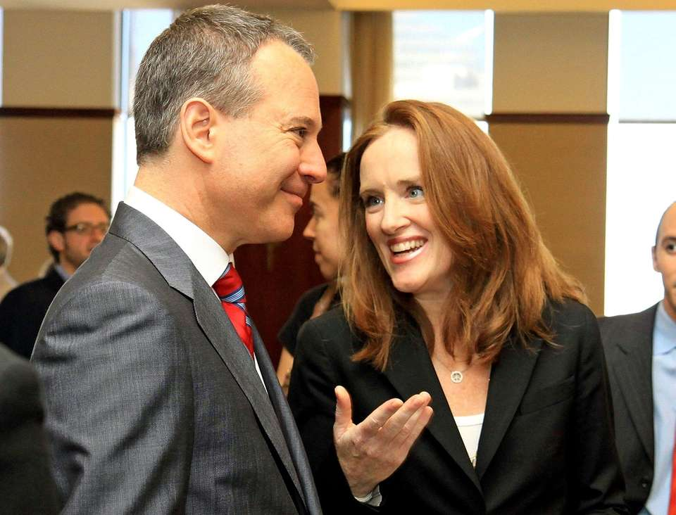 Eric Schneiderman defeated Kathleen Rice for the Democratic