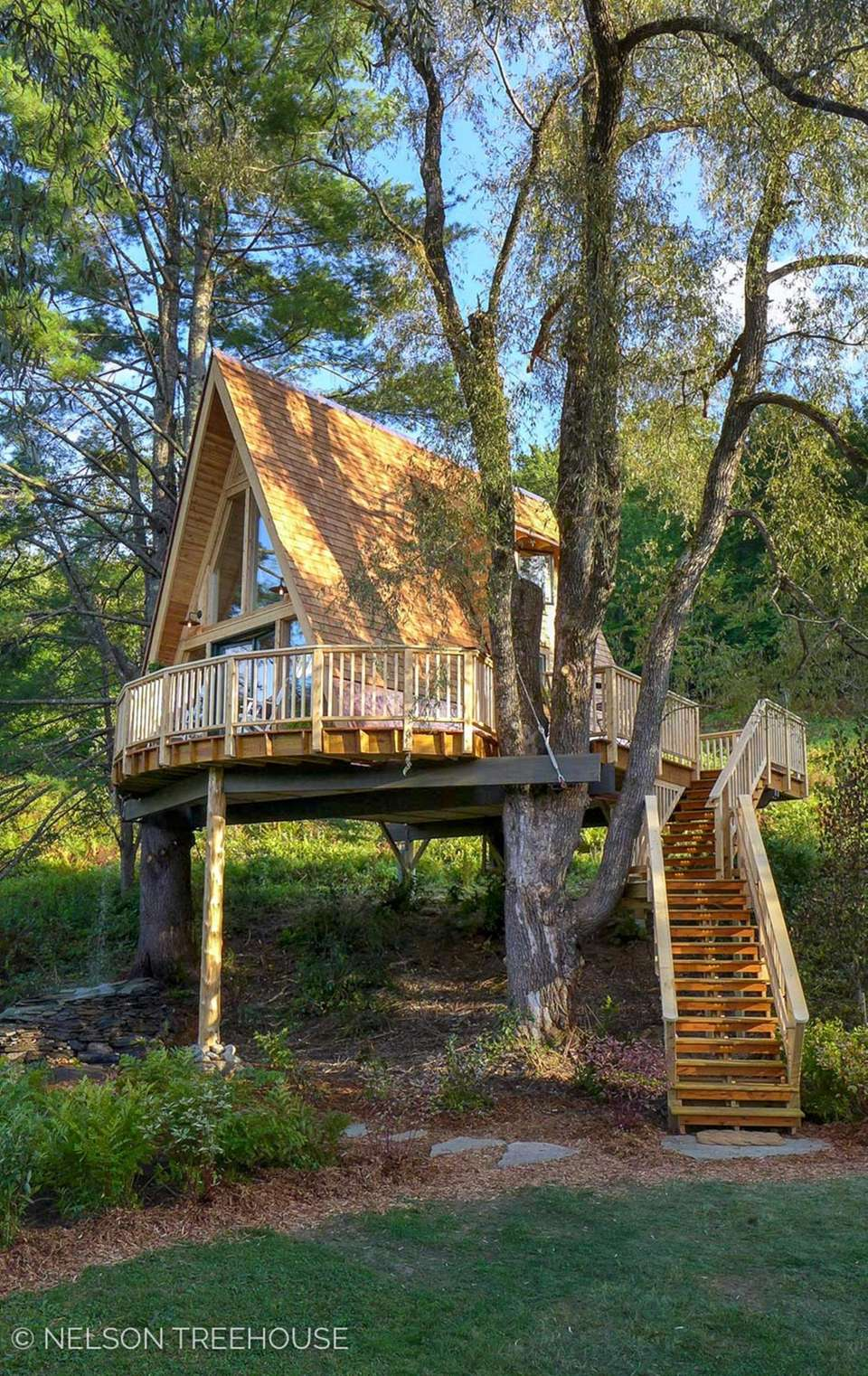 The Treehouse Village Inn offers rustic, luxury lodging