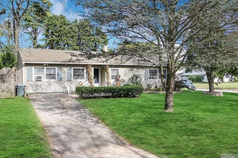 This Medford ranch includes three bedrooms and one
