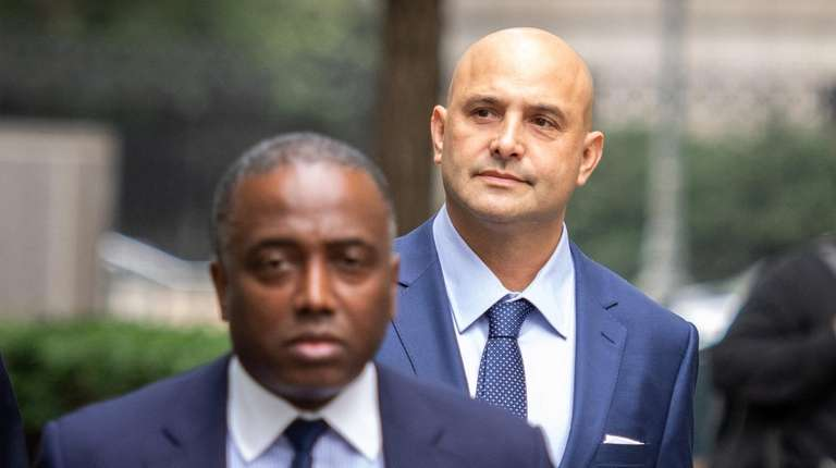WFAN personality Craig Carton arrives in Manhattan federal