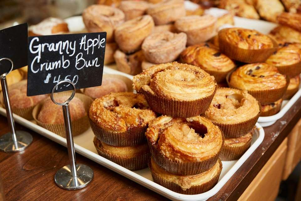 Granny apple crumb bun, Duck Island Bakery, Huntington,