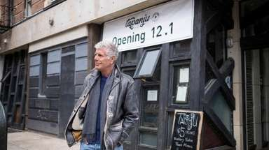 Anthony Bourdain at the corner of Fourth Street