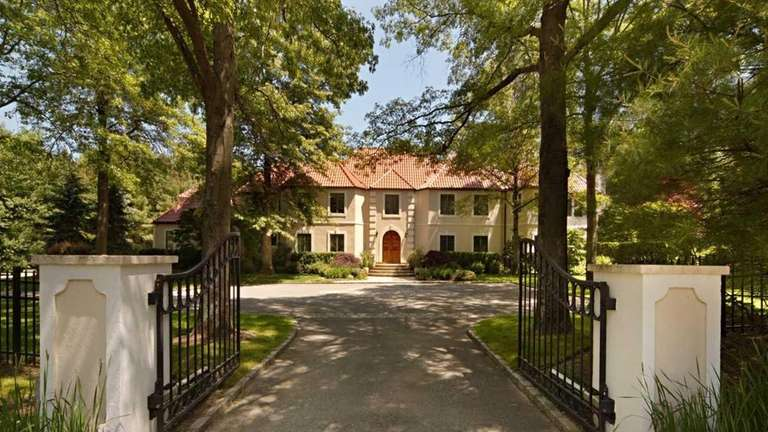 The asking price of Alicia Keys' Syosset home