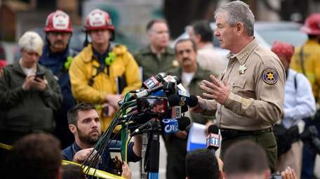 Ventura County Sheriff Geoff Dean speaks to reporters