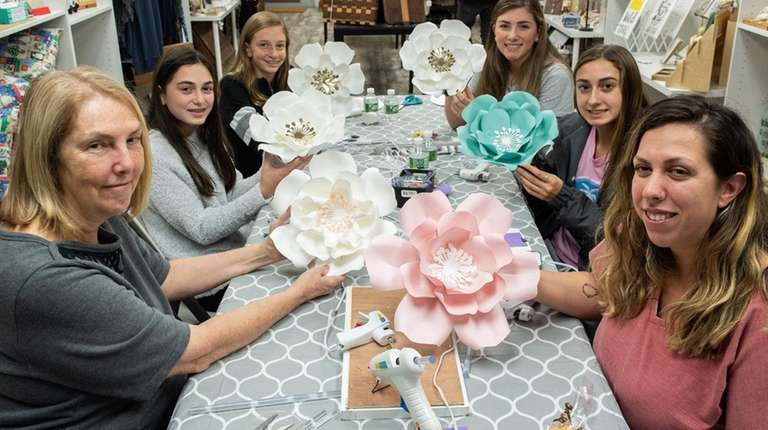 An oversized paper flower-making class at Hitch LI's