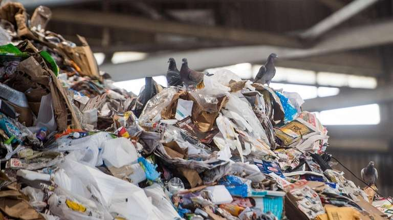 After Brookhaven stopped accepting recyclable material, Smithtown solicited