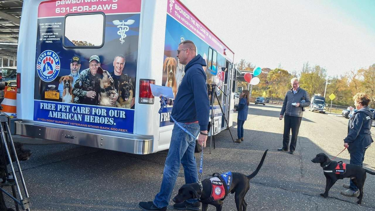 Paws of War trains and places shelter dogs