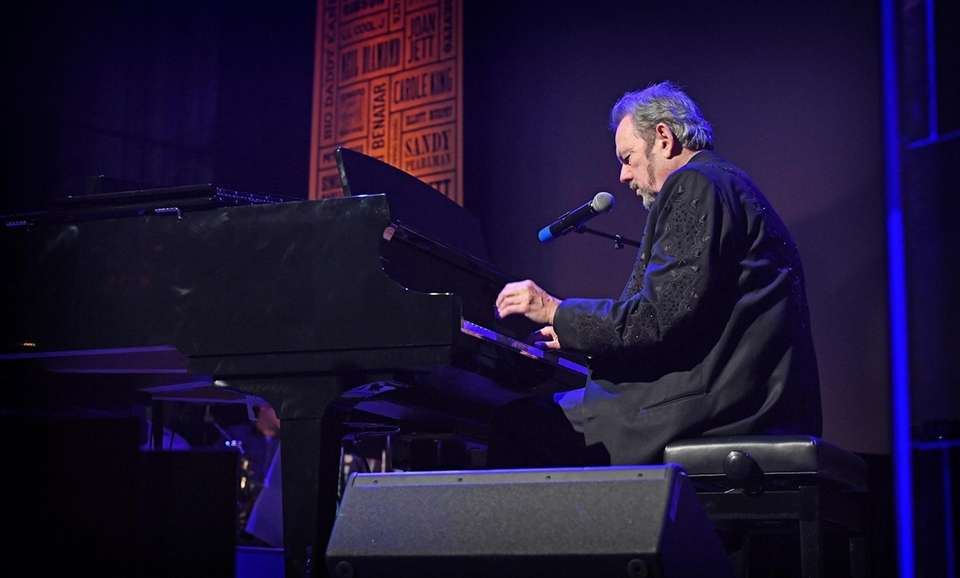 Jimmy Webb performs during the Long Island Music