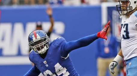 New York Giants defensive end Mathias Kiwanuka (94)