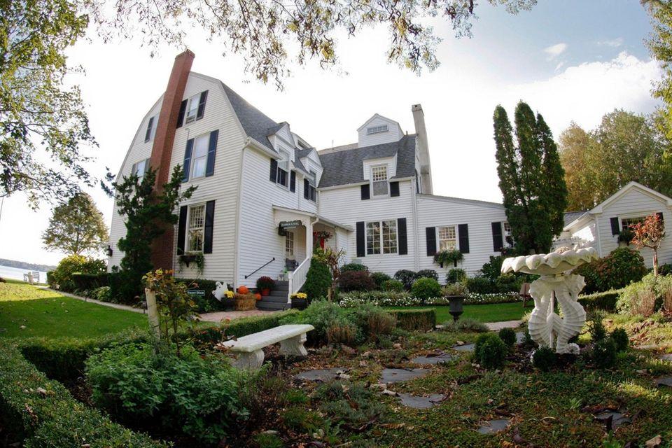 This family-run inn in an imposing 1870 mansion