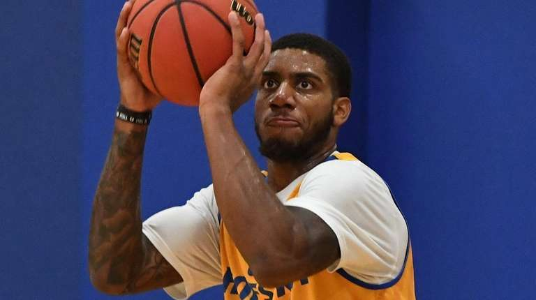 Hofstra guard Justin Wright-Foreman, shown here during practice