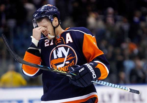 Islanders winger Kyle Okposo in a 2009 game.