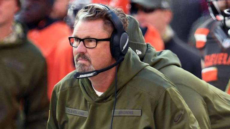 Then-Browns head coach Gregg Williams reacts to a