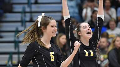 Kaitlyn Steele #5 of Wantagh, left, and Emily