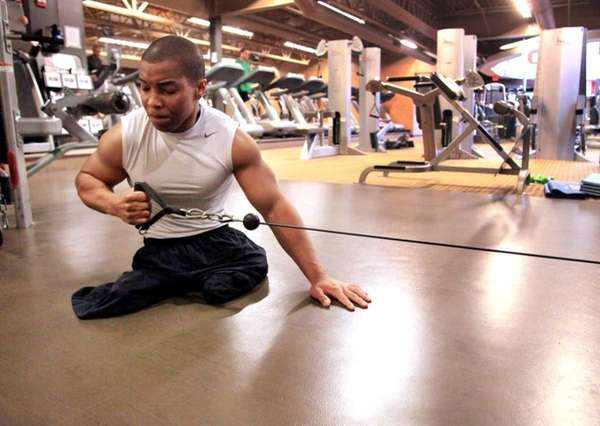 Born without legs, Rohan Murphy, 26, works out