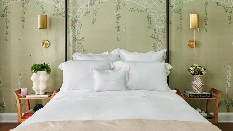 Ariel Okin bedroom.