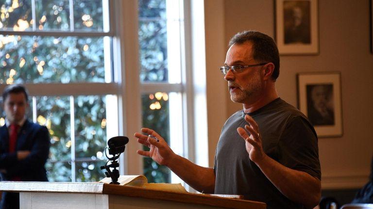 Robert Fantel of Lindenhurst addresses the Babylon Town