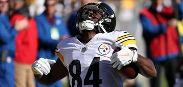Antonio Brown of the Steelers celebrates after