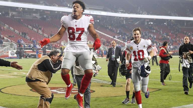 Giants wide receiver Sterling Shepard (87) and quarterback