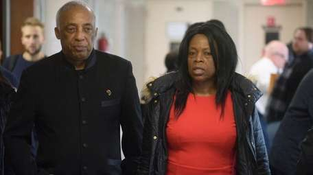 Assemb. Charles Barron and Veta Lewis are seen