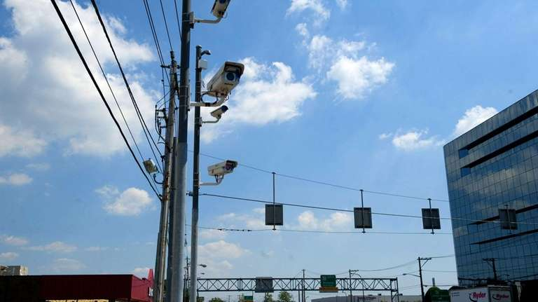 Red light cameras monitor drivers on Old Country