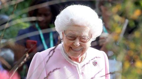 Queen Elizabeth II visits the Chelsea Flower Show