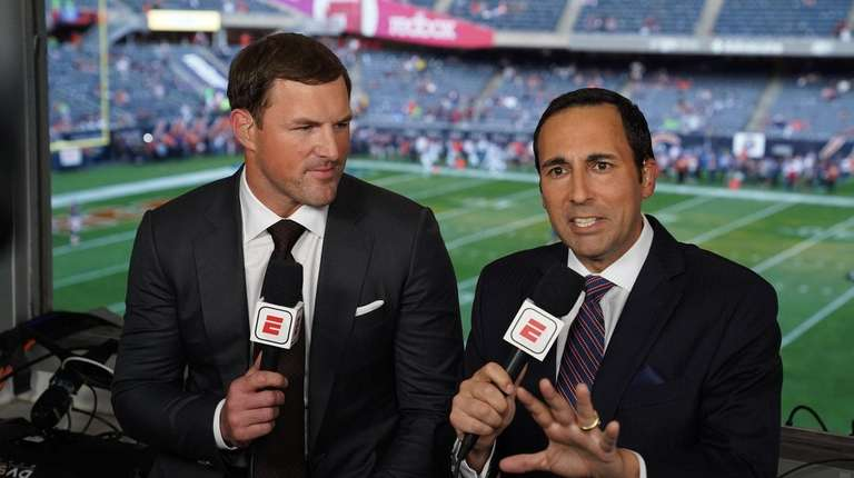 Jason Witten and Joe Tessitore during the Sept.