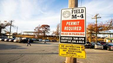 Town of Oyster Bay Field M-4 parking signs