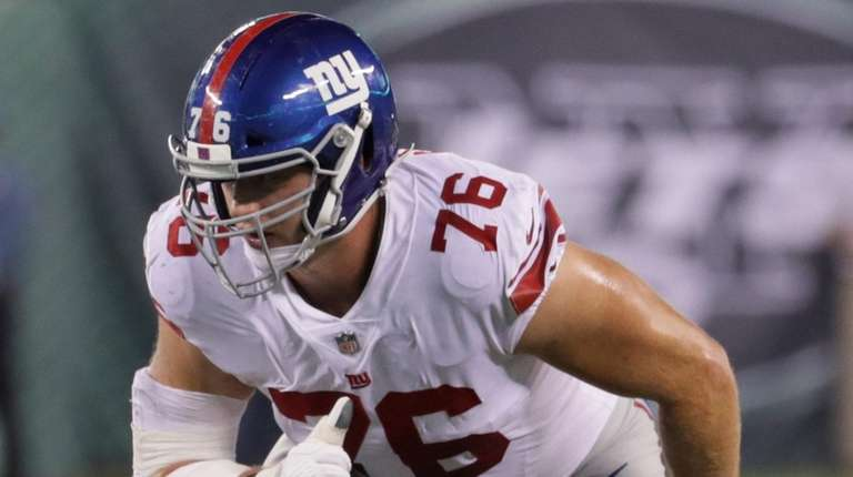 Giants offensive tackle Nate Solder lines up during