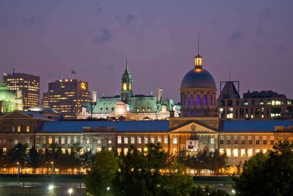 The March Bonsecours and the Basilica dome in