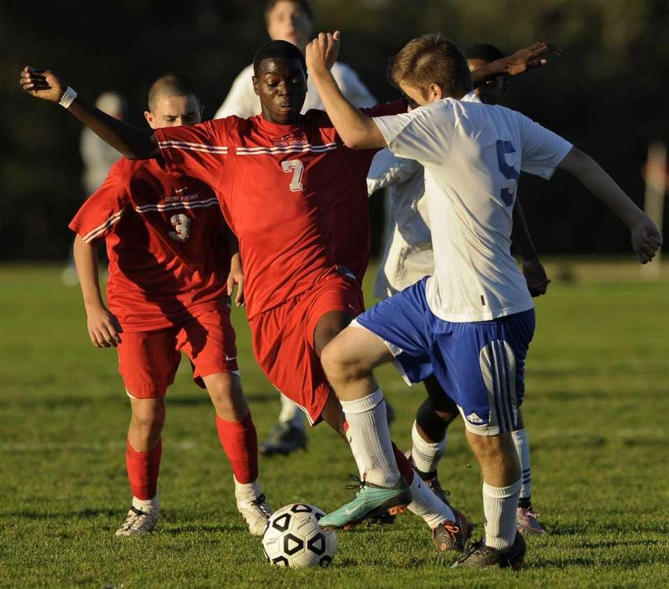 Center Moriches' Harvey Houpe and Mattituck's Peter Harbes