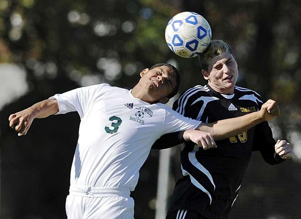 Brentwood's Mario Ruiz and Commack's Harrison Sussman go